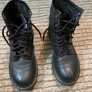 1460 Pascal Virginia Leather Dr Martens